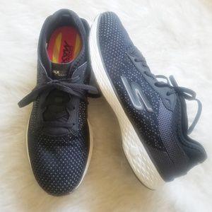 SKECHERS Sport Sneakers Goga Max Gowalk 8